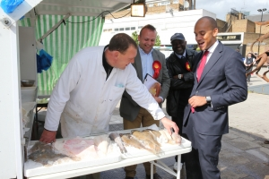 Sunny, Russell, Neil Coyle with Fellow Labour Campaigners and Chuka Umunna at the Blue Market Bermondsey_ 2014-05-10 123